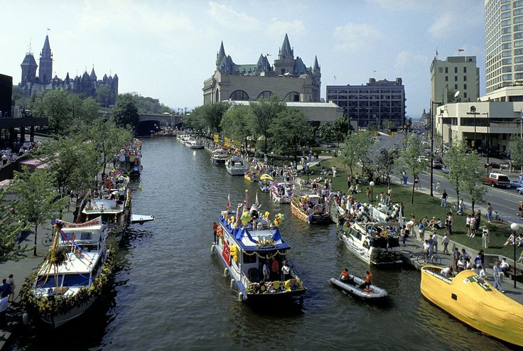 See the Rideau Canal - Visit Ottawa with McCoy Tours