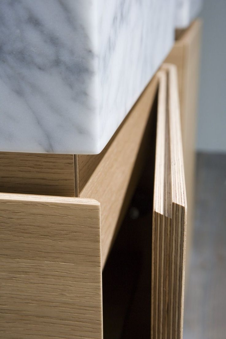 Antonio Lupi Design® / LUNARIA sectional bathroom cabinet; opening #detail