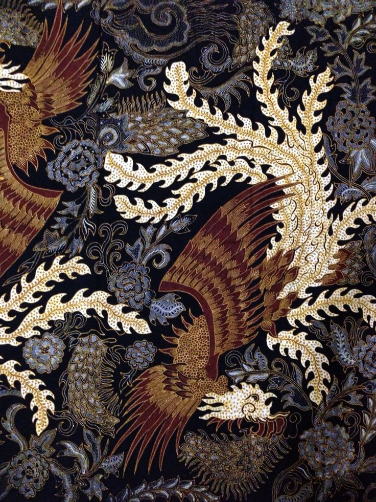 Phoenix in Hand-drawn Batik Tulungagung style by Batik Yunar Tulungagung. Private collection of Arief Laksono.