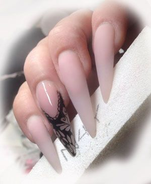 Gele negle Baby Boomer nails, baby boomer negle med Soft Pink gele. Nail art i sort akryl maling. Nail art in black paint. Dette design kan også laves i akryl negle