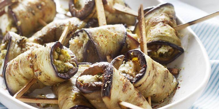 Boodschappen - Auberginerolletjes met walnotenpesto en geitenkaas