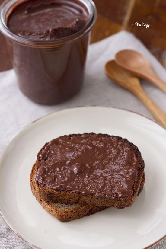 Házi csokoládés mogyorókrém, avagy az otthon készített Nutella legendája : Zizi kalandjai – Valódi ételek, valódi történetek