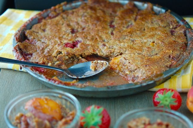 The Iron You: Paleo Strawberry Apricot Crisp