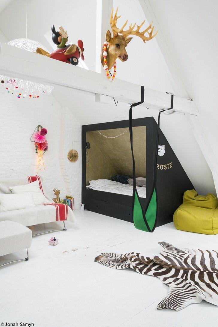 Cuarto infantil con una cama refugio ni os habitaci n for Cama habitacion infantil