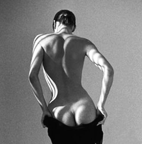 by Guy Le Baube