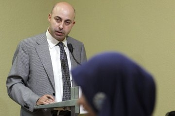 """Spain: Deportation Case Casts Light on Push for Catalan Independence - Time World. """"Ziani's supporters, who learned of his troubles earlier this week, suspect that the real motivation for his deportation lies a lot closer to home: for the past year, the 45-year-old businessman and religious leader has worked as liaison to the Muslim community for an organization that promotes independence for the semi-autonomous region of Catalonia from Spain."""""""