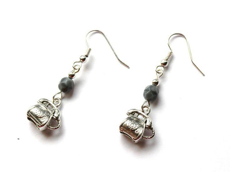 Kolczyki z telefonami w Especially for You! na http://pl.dawanda.com/shop/slicznieilirycznie #kolczyki #earrings #crystals #kryształki #handmade #DaWanda #telephone #telefony