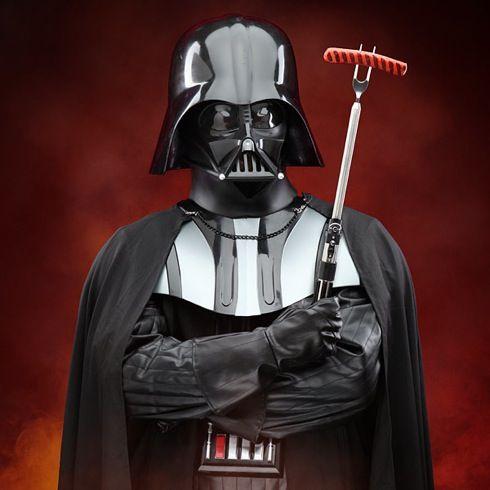 焼きすぎて暗黒面に目覚めぬよう・・・。ライトセイバー型のBBQフォーク【Star Wars Darth Vader Lightsaber BBQ Fork】
