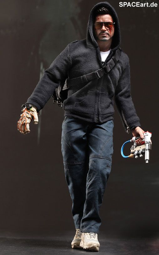 Iron Man 3: Tony Stark (The Mechanic) - Deluxe Figur http://spaceart.de/produkte/irm023.php