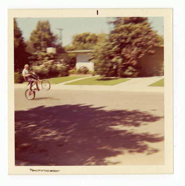 family snapshot gifs 01 Vintage Family Polaroids converted into amusing GIFs