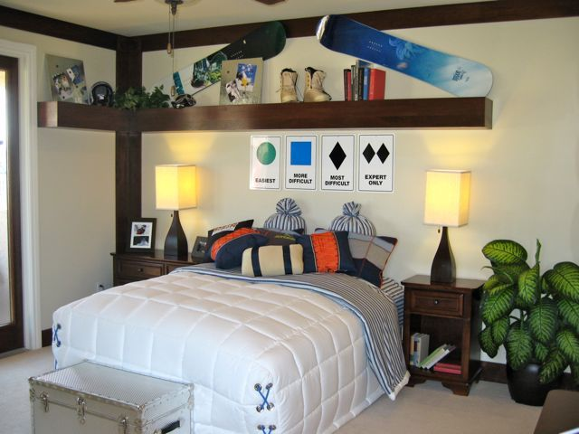 25 best ideas about snowboard bedroom on pinterest used for Snowboard decor