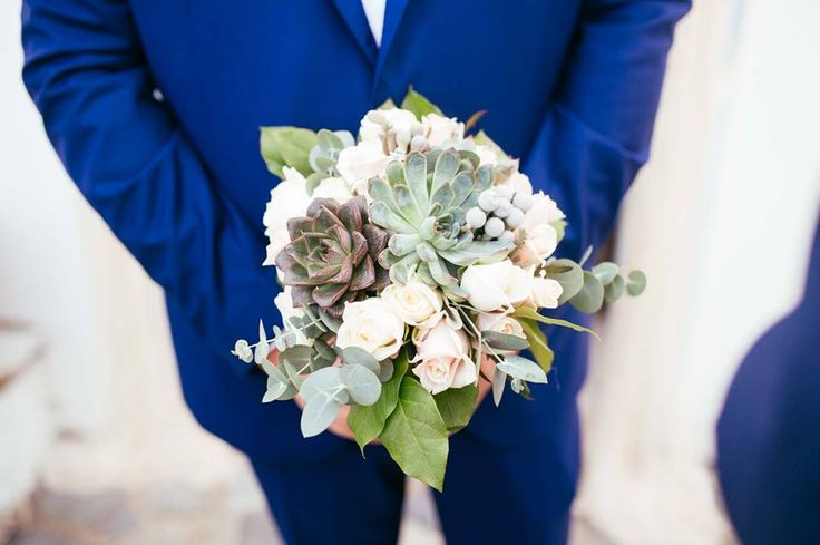 Rustic bouquet with succulents and roses for Alexandra by Gourioti Flowers