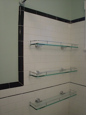 White horizontal tiles with black border for shower for Glass tile border bathroom ideas