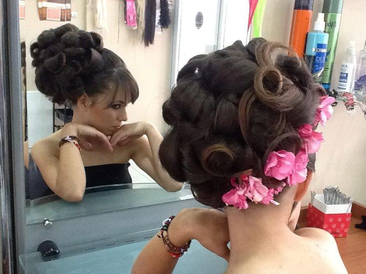 Pin By Zs Fia Pink On Beautiful Hair And Make Up Pinterest Updos Vintage Salon And 60s Hair