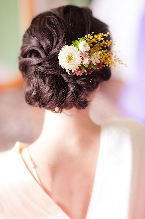 Real Flower Bridal Hair Accessories : Fresh flowers in her hair wedding ideas