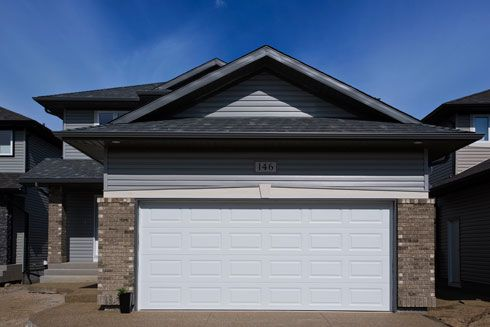 """Photographing a House That's """"All Garage"""" – Putting Theory To The Test 