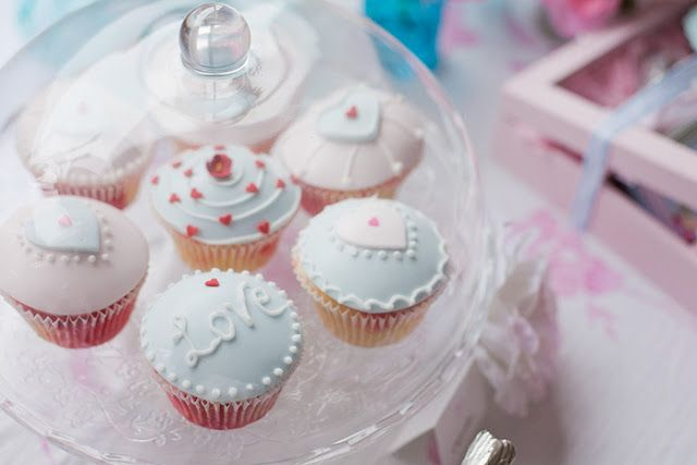 Bella Fiore: Decoração Chá: Cute Cupcakes, Cakes Ideas, Things Parties, Romantic Cupcakes, War Parties, Parties Ideas, Pastel Cupcakes, Teas Parties, Romantic Valentines