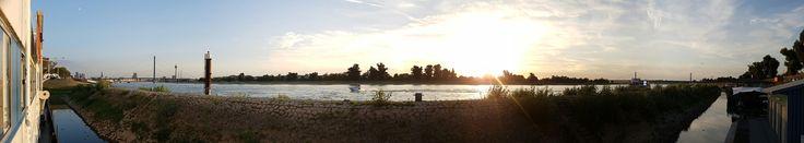 #rheinufer #düsseldorf #panorama #abend #abendstimmung #sonnenuntergang #schiff #restaurantschiff