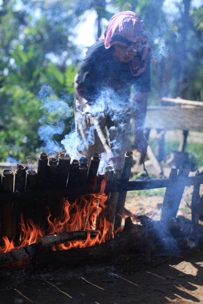 Membuat Nasi Bambu yang Lezat