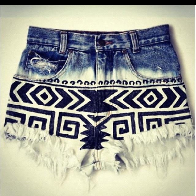 : Diy Shorts, Style, Tribal Shorts, Aztec Shorts, Aztec Prints, Jeans Shorts, Denim Shorts, Tribal Prints, Tribal Patterns