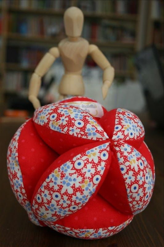 http://kingaisabellaquilts.blogspot.de/2013/05/puzzle-ball.html