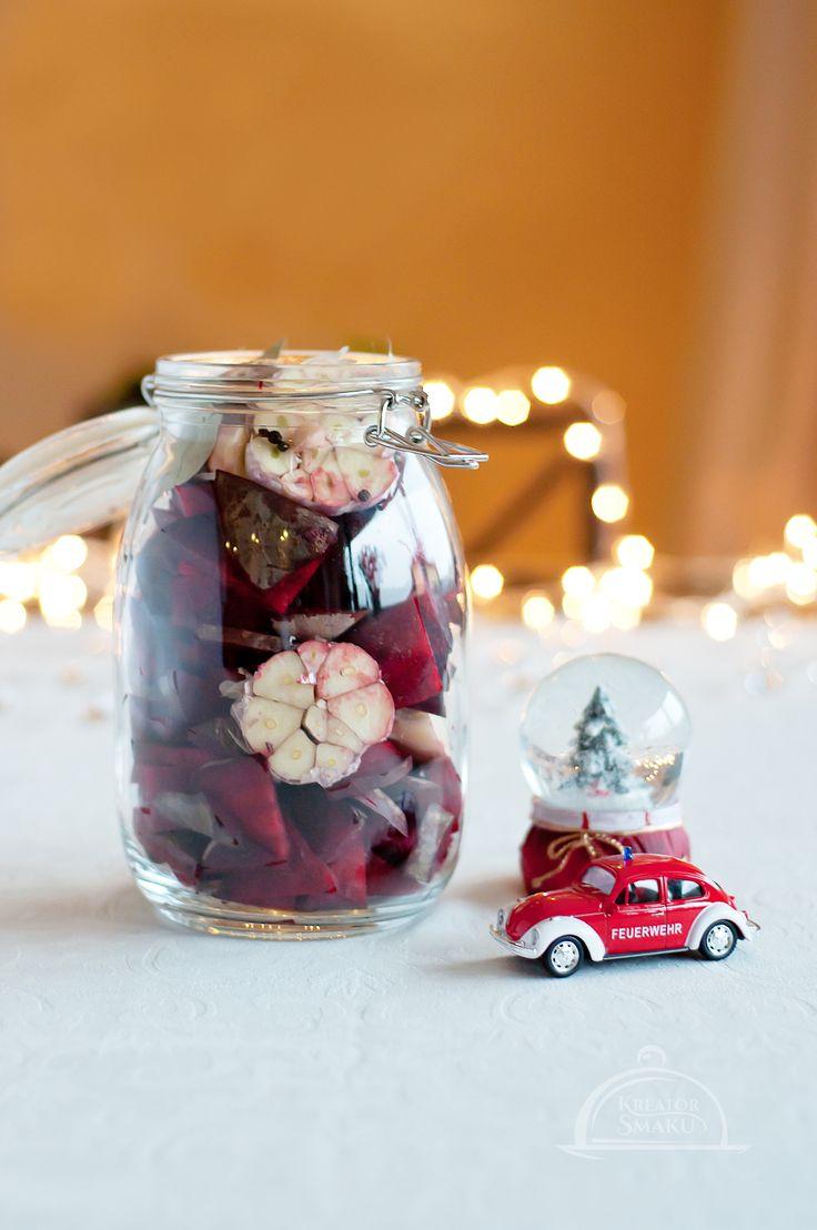 Przepisu na zakwas do świątecznego barszczu, szukaj na naszej stronie - http://www.kreatorsmaku.tv/przepisy/zakwas-na-barszcz/