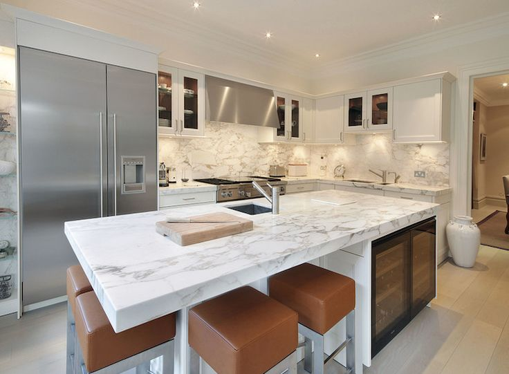 White Contemporary Kitchen Arabescato Oro Vali Marble