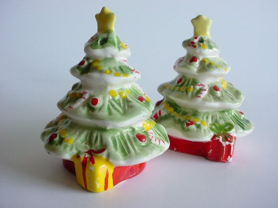 Christmas Tree Salt & Pepper Shakers Vintage  by CraZyDreamZ, $6.00