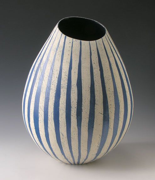 Caroline Genders  #ceramics #pottery