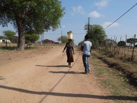 Dzień z życia mieszkańców afrykańskiej wioski - YouTube