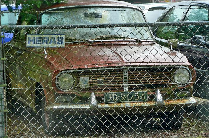 1962 Vauxhall Victor FB-E (LHD) seen in a US demolition yard, the car needs saving. 1.5L 4-cylindr OHV 57Bhp Engine