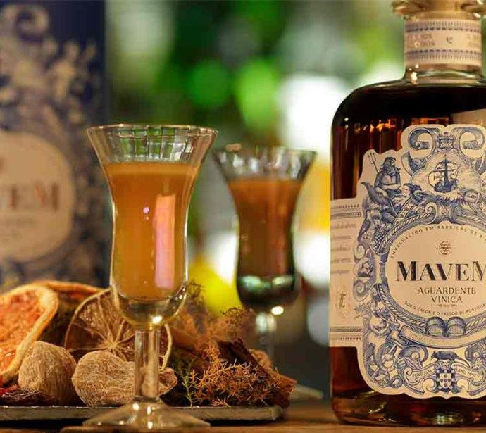 Segundo os produtores, os irmãos Liliana e Tiago Rocha, a Mavem é uma aguardente vínica «suave, aromática e extremamente versátil».