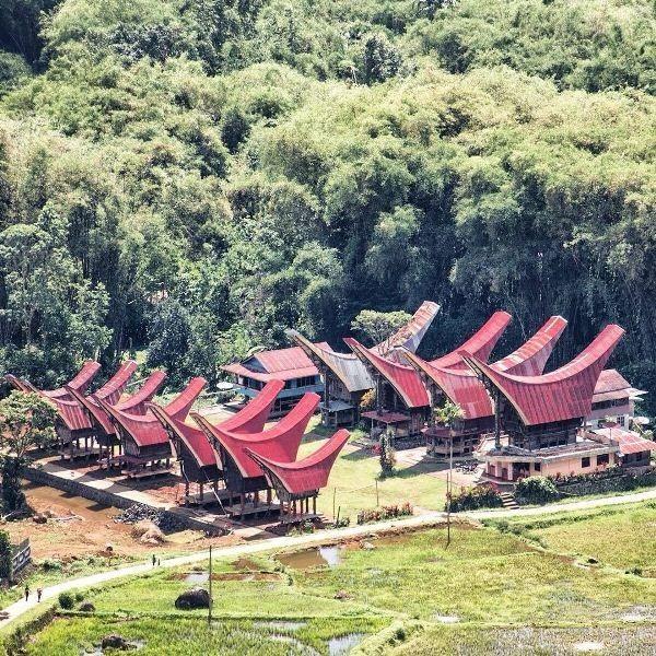 Baru 30 Pemandangan Alam Toraja Negeri Di Atas Awan Batutumonga Toraja Download Kete Kesu Tourism Object Download 10 Gambar Di 2020 Pemandangan Alam Pedesaan