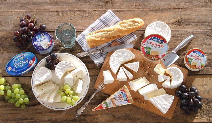 Delikatne pleśniowe sery rodem z Francji polecają się na deskę serów. Francuskie ucztowanie! #intermarche #TydzienFrancuski #SeryFrancuskie #camembert