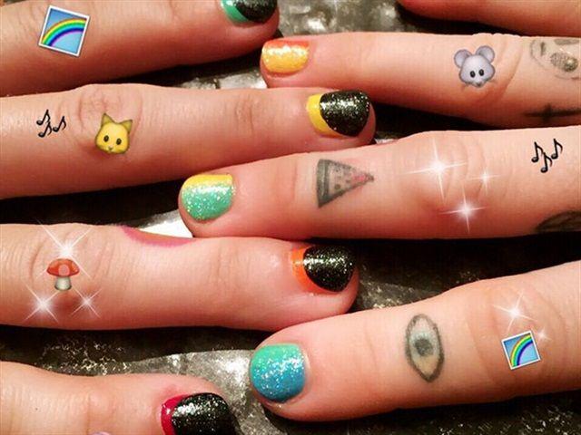 Line Art Nails : Best celebrity nail art images