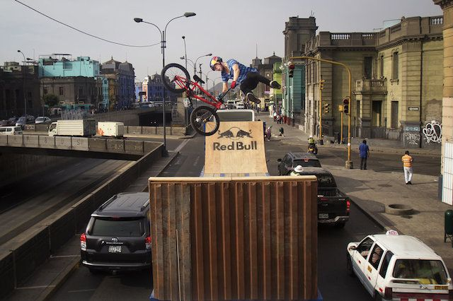 BMX Ramp Riding On A Moving Trailer – Daniel Dhers In Peru (Clip)