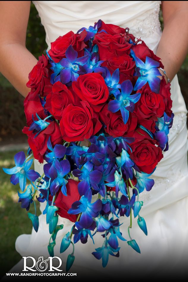 Blue And Red But It Doesn T Look Patriotic Maybe I Can Do This Weddings Events Pinterest