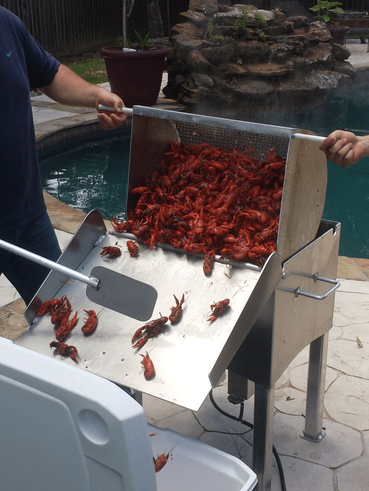Straight from the water to your cooler, a crawfish cooker is an excellent way to boil up some crawfish. These machines make it incredibly easy to prepare huge amounts of crawfish quickly and easily…