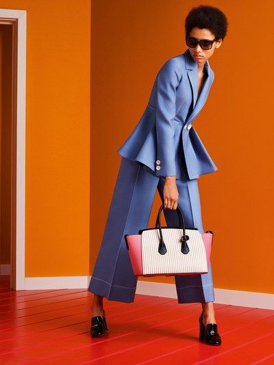 View the complete Bally Spring 2017 collection from Milan Fashion Week.