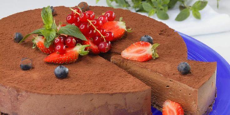 Sjokoladeostekake med irish cream - Klarer du å motstå denne? Omtrent umulig. Dette er en drøm av kake!