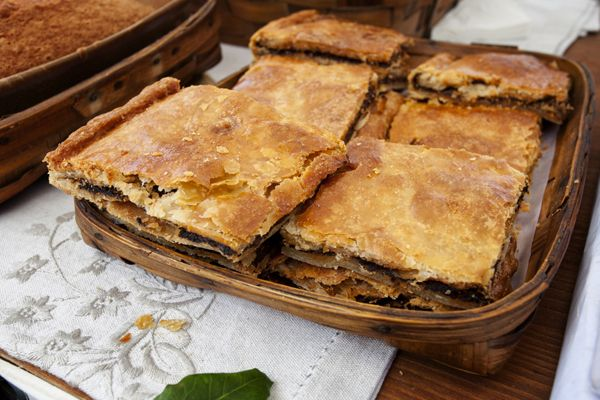 Κρεατόπιτα χωριάτικη - Συνταγές Μαγειρικής - Chefoulis (meat pie)