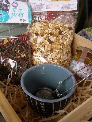 Cajitas de regalo para un momento especial, con sabores y productos artesanales.
