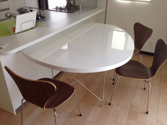 変形テーブルの納品:浜松インテリア | marusu living products|マルス家具・浜松市リフォーム工事会社