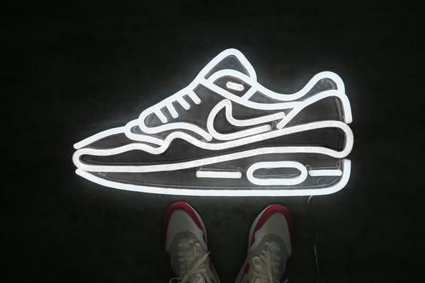 Air Max 1 Led Neon Sign Maxi Size Neon Signs Neon Chill Room