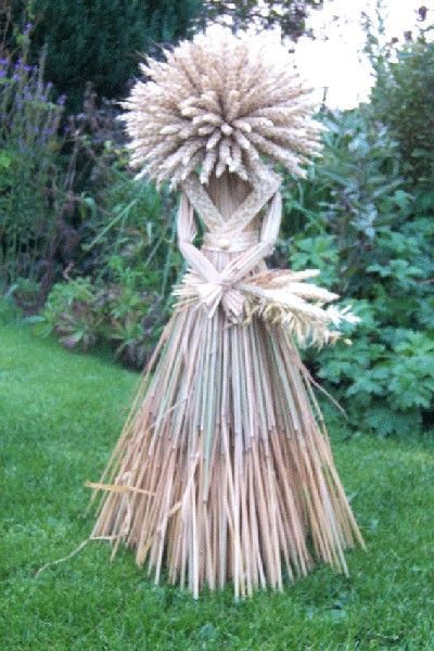 Garden Fairy      Corn dolly.