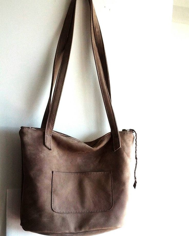 Squeezed in a #custom creation into this busy week. #nubuck #jvdcustomservice #custombag #grey #tote #leatherbags #madeinvancouver #ooak #botd