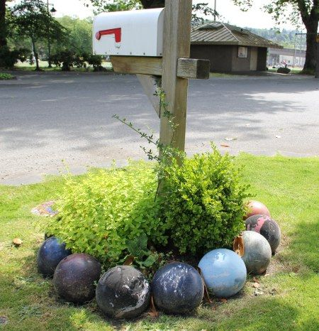 Decorative Yard Balls 272 Best Bowling Balls Repurposed Images On Pinterest  Bowling