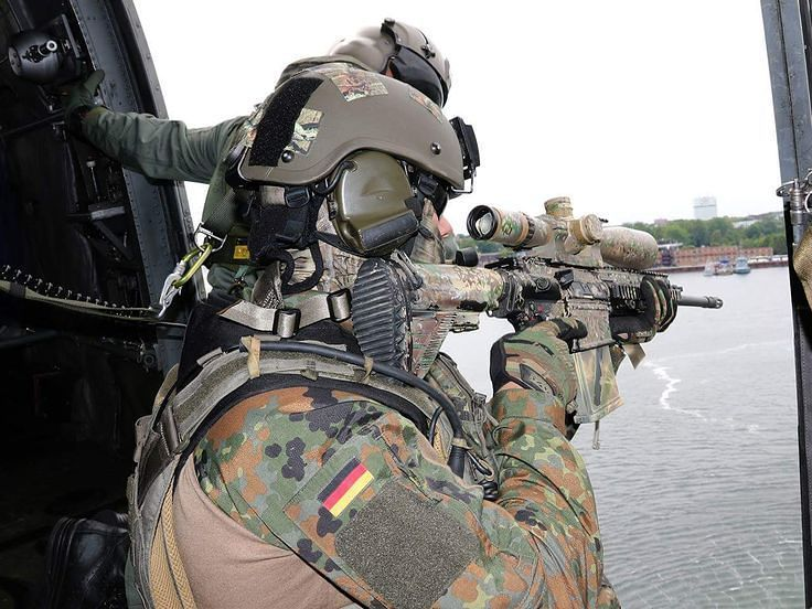 German Frogman with a HK417 Quelle:DPA ______________________________ #germany #deutschland #germanmilitary #deutschlandmilitary #navyseal #frogman #mightygermany #mightydeutschland #Hellweek #Police #Army #Bundeswehr #Heer #marine #luftwaffe #wirdienendeutschland #ISAF #KFOR #Minusma  #soldaten #Soldiers #Gebirgsjäger #feldjäger #Fallschirmjäger #ranger #europeanunion #europe #europeanmilitary #nato #mightynato ______________________________