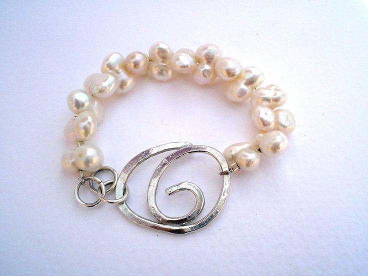 Pulsera de perla doble y plata, creación Isabel CAñedo