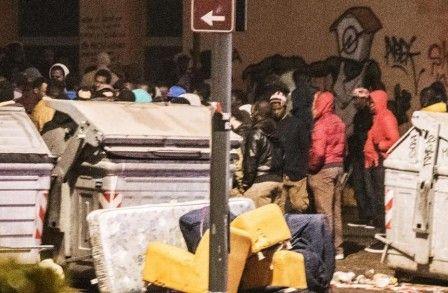 Italie – L'ex-village olympique de Turin aux mains des migrants: chaos, violences et insultes envers les Italiens (Vidéos)